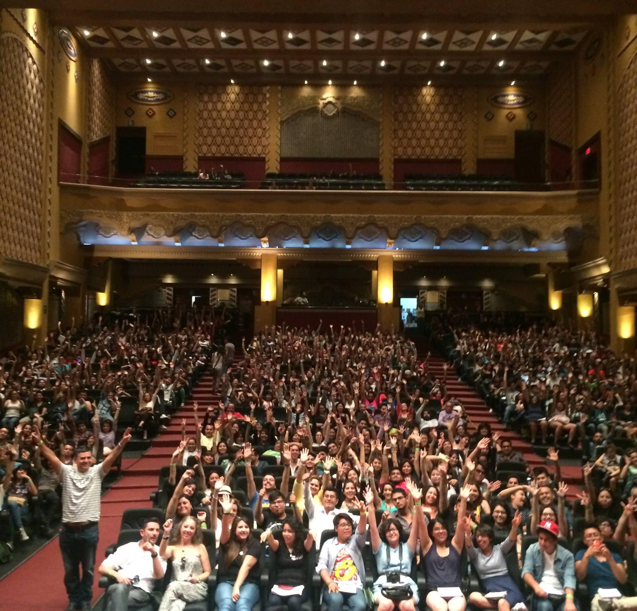 Los 1000 asistentes haciéndote barra